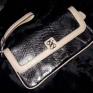 EUC Guess Leather Wristlet Clutch